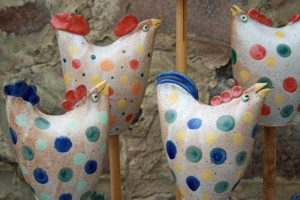 garden pottery chickens